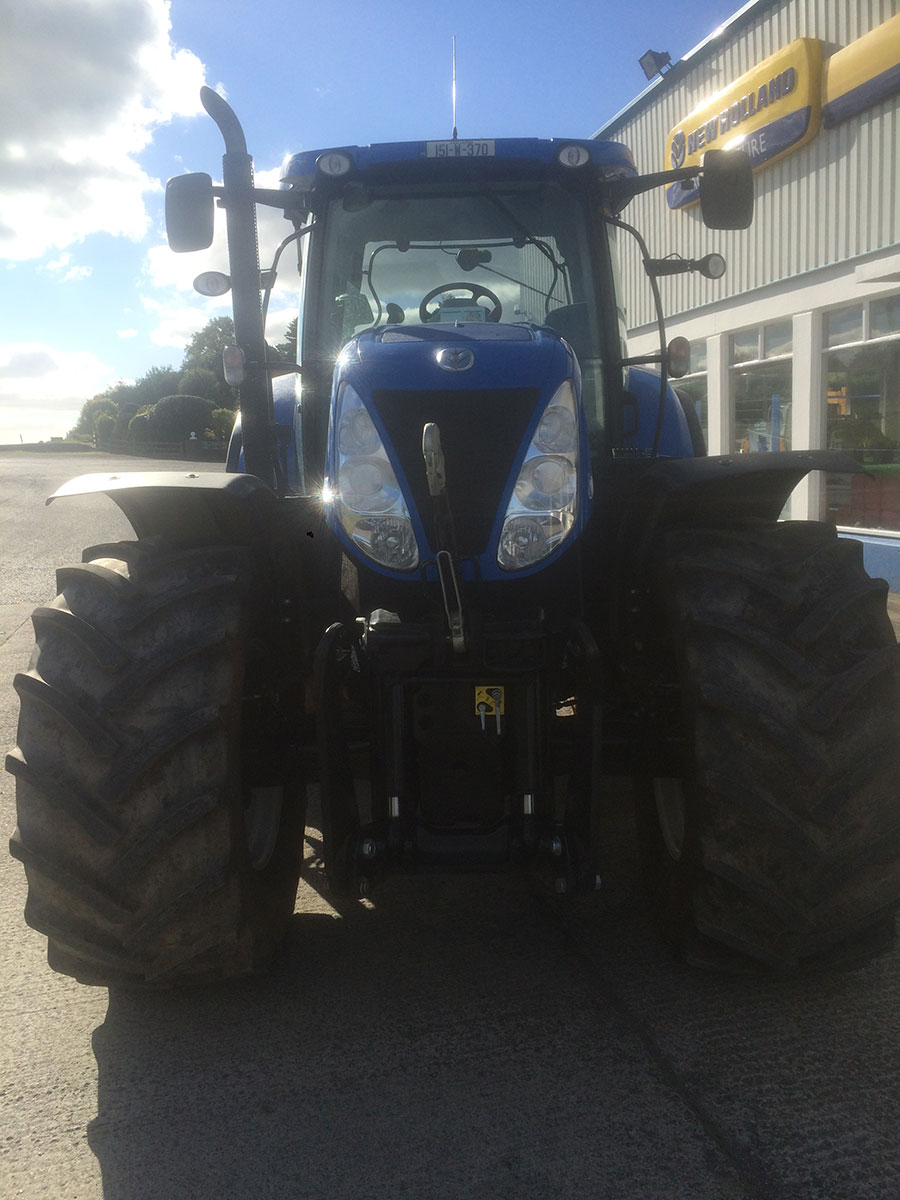 New-Holland-T7.235-2015